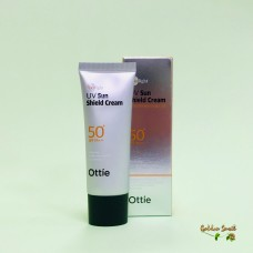 Солнцезащитный крем 40 мл Ottie Spotlight UV Sun Shield Cream SPF50+ PA+++