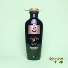Антивозрастной восстанавливающий шампунь с экстрактом женьшеня для жирной кожи головы 400 мл Ryo Super Revital Total Care Shampoo For Normal & Dry Scalp