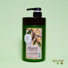 Восстанавливающая маска с аргановым маслом 1000 мл Welcos Confume Argan Treatment Hair Pack
